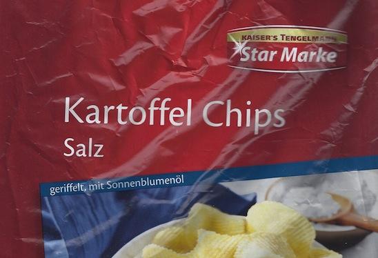 Schreibung auf Verpackung: Kartoffelchips der Starmarke.